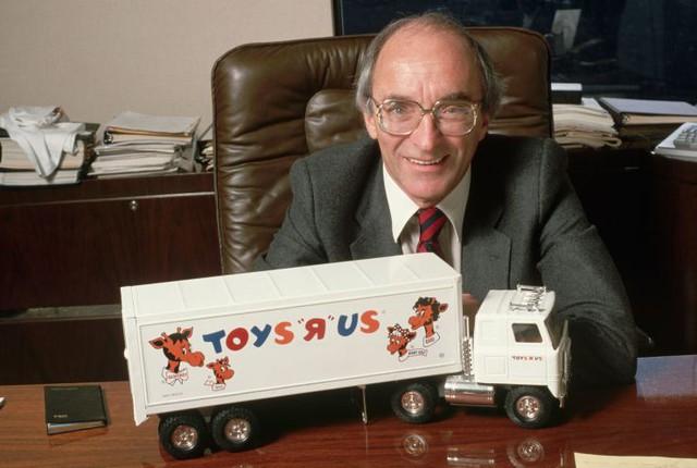 [Chuyện thương hiệu] Chuỗi đồ chơi Toys R Us của Mỹ hồi sinh từ cái chết - Ảnh 2.