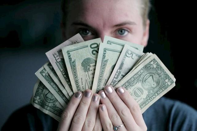 Đàn ông thành công đến mấy cũng có thể tiêu tan tiền tài lẫn sự nghiệp nếu ở bên những người phụ nữ này - Ảnh 1.
