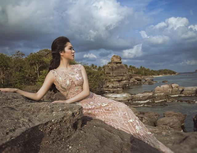 Hoa hậu Việt Nam 2004: Vướng tin đồn bị đánh ghen ở tuổi 18, đám cưới bất ngờ ở tuổi 23 và cuộc sống bình yên sau giông bão ở tuổi 34 với đại gia bí ẩn - Ảnh 3.