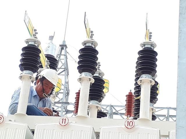 5.000 đồng/kWh, nguy cơ có tiền không mua được điện để xài - Ảnh 1.