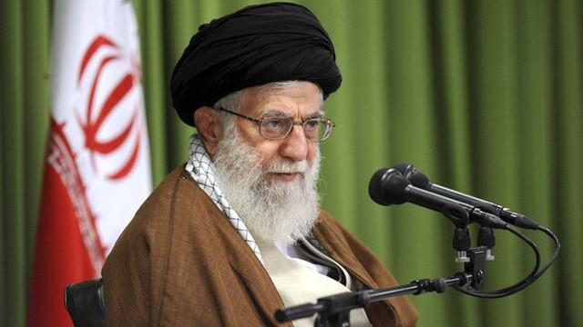 Ông Trump ký sắc lệnh trừng phạt lãnh đạo cao nhất của Iran - Ảnh 1.