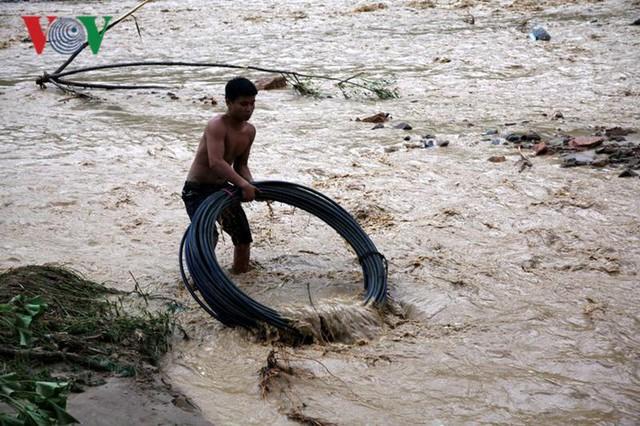 Ảnh: Huyện nghèo ở Lai Châu tan hoang sau cơn lũ đầu mùa - Ảnh 13.