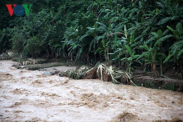 Ảnh: Huyện nghèo ở Lai Châu tan hoang sau cơn lũ đầu mùa - Ảnh 15.