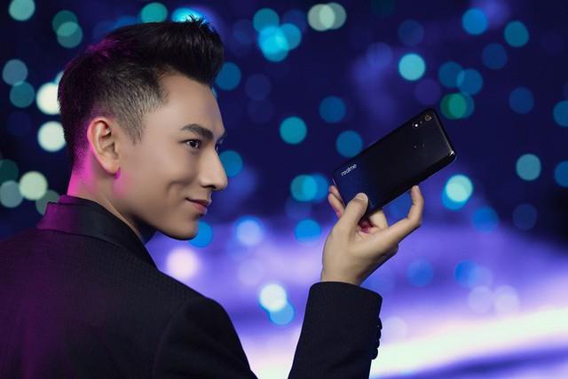 Những ngôi sao giải trí dần vắng bóng trong quảng cáo smartphone Việt, vì sao lại thế? - Ảnh 6.