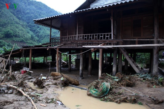 Ảnh: Huyện nghèo ở Lai Châu tan hoang sau cơn lũ đầu mùa - Ảnh 9.