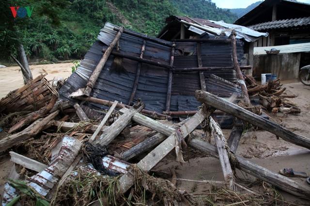 Ảnh: Huyện nghèo ở Lai Châu tan hoang sau cơn lũ đầu mùa - Ảnh 10.