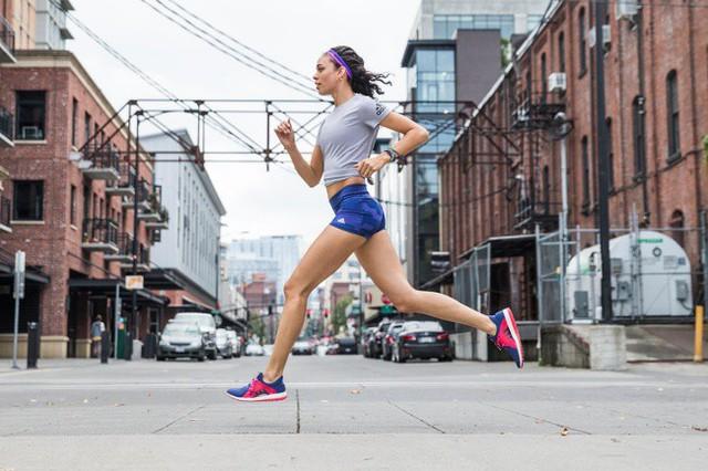 Làm thế nào để giữ thói quen chạy bộ ngay cả dưới cái nóng của mùa hè? - Ảnh 3.