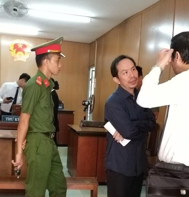 Đề nghị phạt cựu nhân viên ngân hàng đến 19 năm tù  - Ảnh 2.