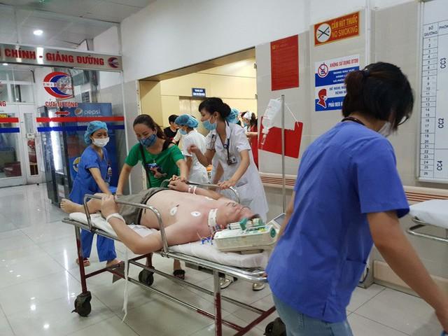 Đã có trường hợp người tử vong vì sốc nhiệt: BS viện 108 hướng dẫn cách sơ cứu - Ảnh 2.