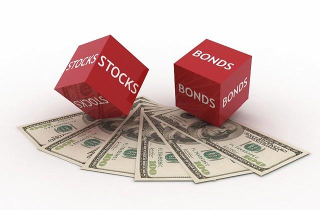 Nghị lý: Cổ phiếu và trái phiếu đều phi mã nhưng đừng coi thường những nguy cơ đằng sau - Ảnh 1.