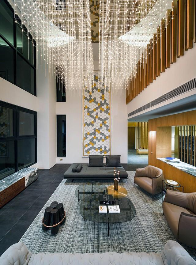 Những phòng khách sang trọng với cách thiết kế, trang trí độc đáo - Ảnh 1.