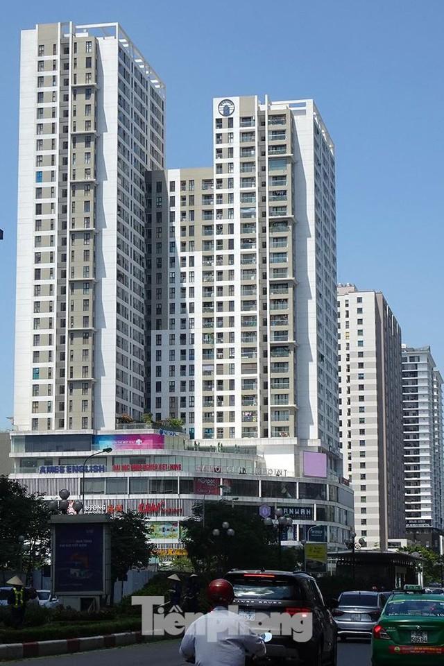 Những tuyến phố Hà Nội ngộp thở với cao ốc ngày nắng nóng - Ảnh 11.