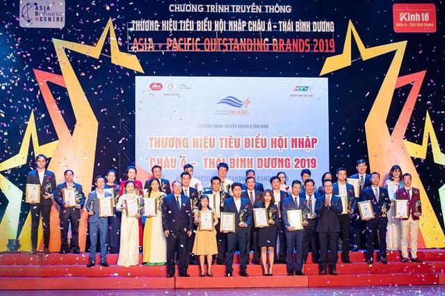 Chủ tịch Tập đoàn địa ốc DCB nhận giải thưởng Top 10 Thương hiệu tiêu biểu Châu Á Thái Bình Dương - Ảnh 1.