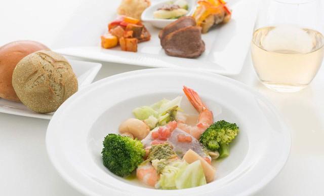 Hãng hàng không phục vụ bữa ăn Michelin cho hành khách, nhưng chỉ giới hạn cho trẻ em - Ảnh 3.