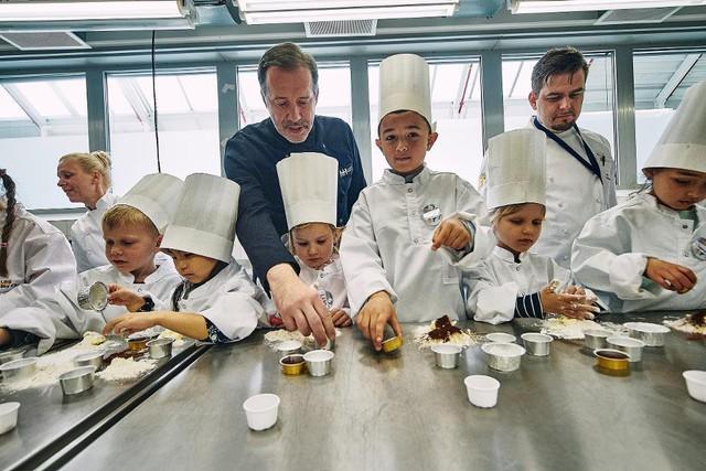 Hãng hàng không phục vụ bữa ăn Michelin cho hành khách, nhưng chỉ giới hạn cho trẻ em - Ảnh 6.