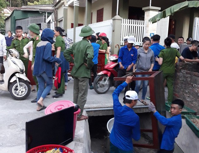 Toàn cảnh vụ cháy rừng thông lớn nhất Hà Tĩnh, di dời tài sản cả trăm hộ dân - Ảnh 9.