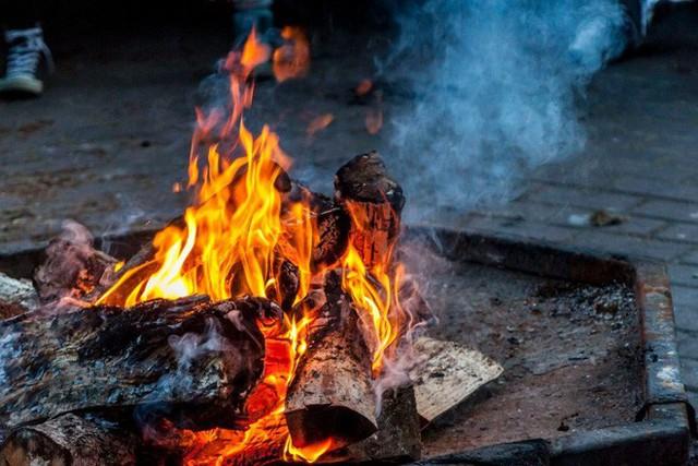 Cảnh báo: Nguy cơ hỏa hoạn tiềm ẩn ở 7 nơi trong nhà, trẻ nhỏ nghỉ hè càng phải chú ý - Ảnh 3.