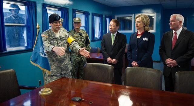 NÓNG: Ông Trump đi 20 bước lên lãnh thổ Triều Tiên, tạo nên LỊCH SỬ mới cho quan hệ Mỹ - Triều - Ảnh 17.