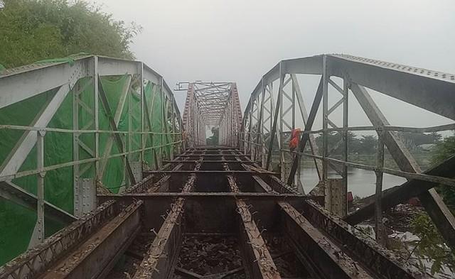 Chính thức khai tử cây cầu sắt lịch sử 106 tuổi - Ảnh 2.