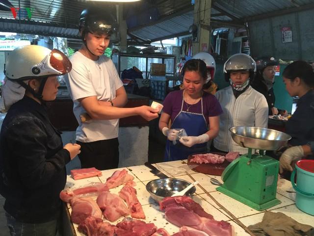Giá thịt lợn tại Lâm Đồng vẫn giữ mức ổn định - Ảnh 1.