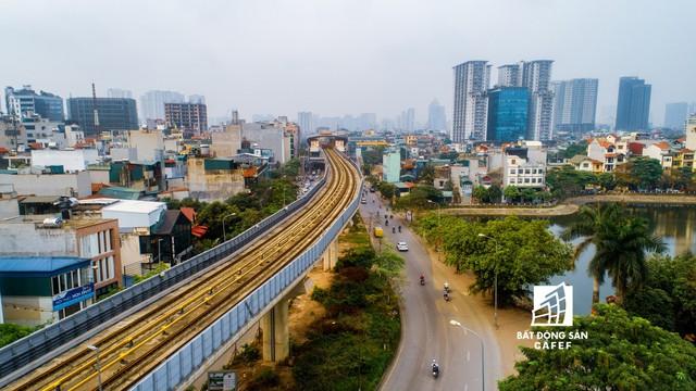 Sau 11 năm xây dựng, hình hài toàn tuyến metro đầu tiên của Việt Nam tại Hà Nội hiện nay như thế nào? - Ảnh 4.