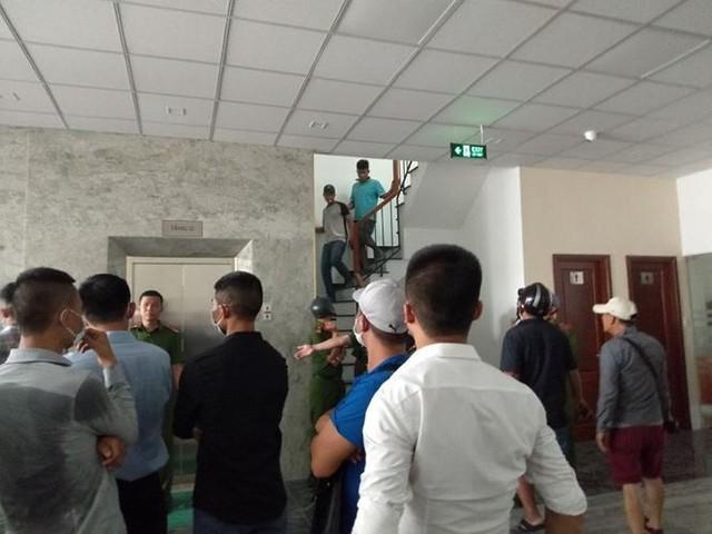 Hàng trăm người bao vây công ty ở Sài Gòn đòi tiền góp vốn - Ảnh 2.