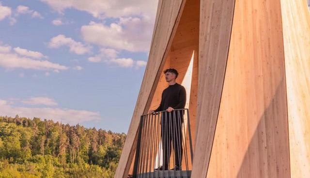Độc đáo tòa tháp hình xoắn ốc được làm từ gỗ đầu tiên trên thế giới, không cong vênh, bền chắc không kém bê tông - Ảnh 7.