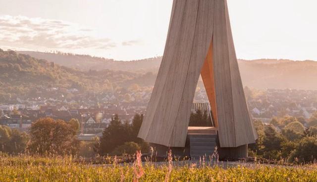 Độc đáo tòa tháp hình xoắn ốc được làm từ gỗ đầu tiên trên thế giới, không cong vênh, bền chắc không kém bê tông - Ảnh 8.