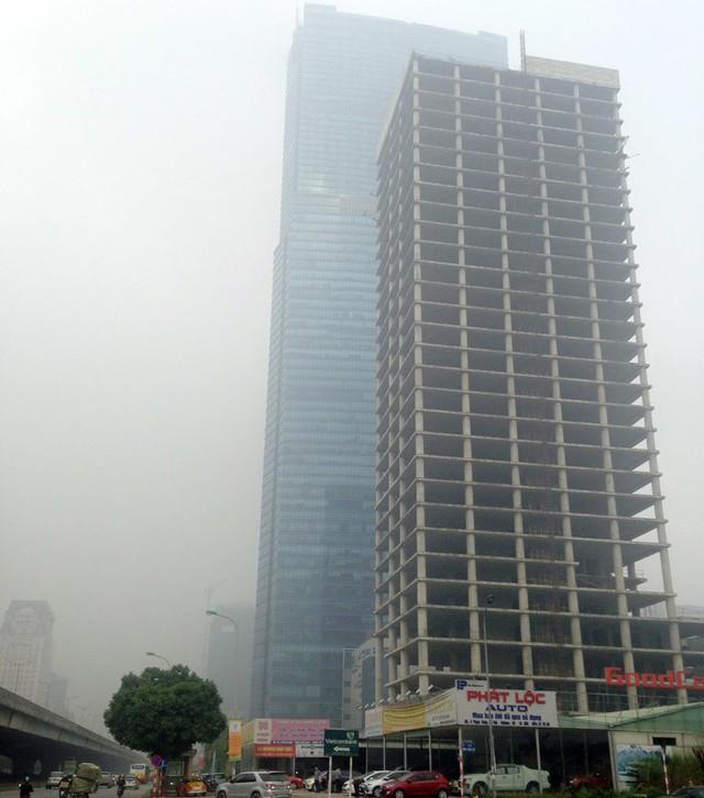 Tòa tháp ma hoang lạnh, ngàn tỷ đổ nát giữa Thủ đô - Ảnh 1.
