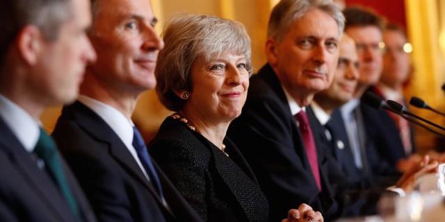 Nóng cuộc chạy đua vào chức Thủ tướng Anh - Ảnh 1.