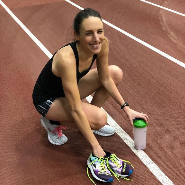 10 năm chiến đấu với bệnh ung thư hiếm gặp: Câu chuyện của nữ vận động viên người Mỹ sẽ truyền cảm hứng cho rất nhiều người bệnh khác - Ảnh 2.