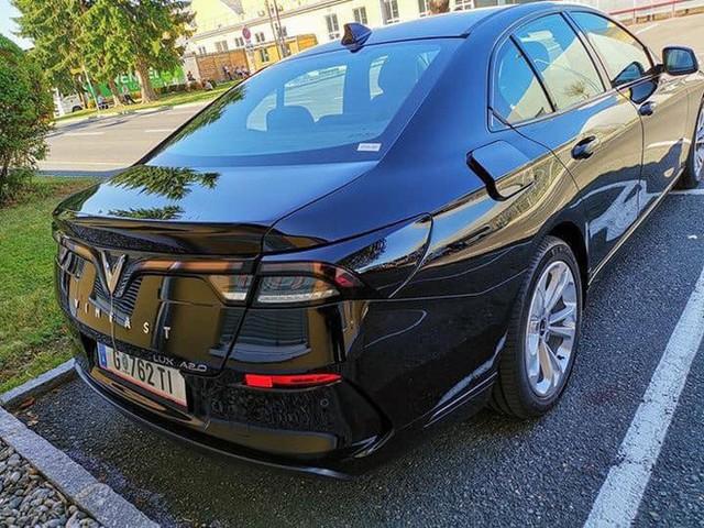 Biển số VinFast Lux tại châu Âu tiết lộ quốc gia đăng kiểm và hành trình thử xe xuyên quốc gia - Ảnh 3.