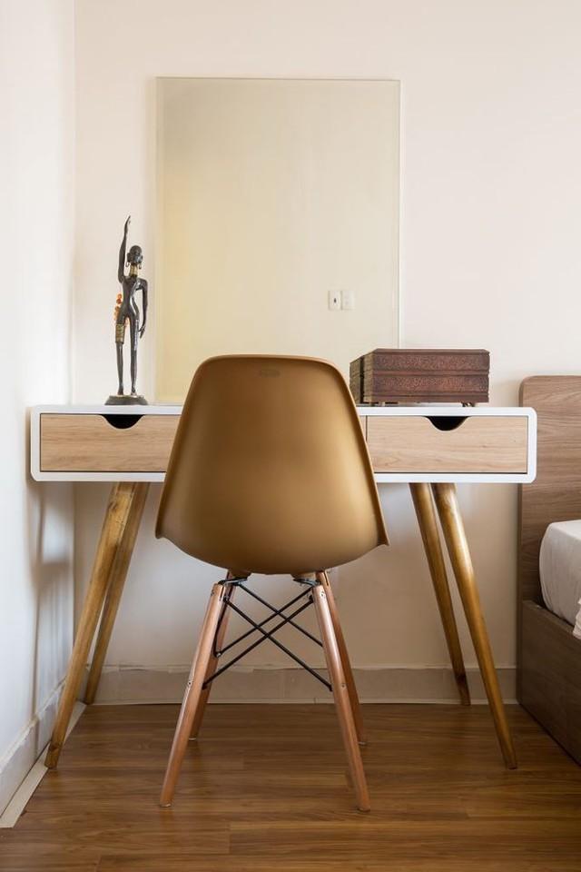 Vật dụng với chất liệu gỗ mang đến cho không gian sự thân thiện, gần gũi.