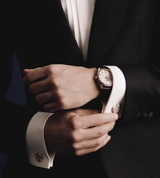 5 mẹo phát hiện đồng hồ hàng hiệu giả không phải quý ông nào cũng biết: Ghi nhớ ngay để tránh mất tiền oan! - Ảnh 3.
