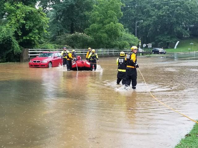 Hình ảnh lạ: Thủ đô nước Mỹ chìm trong biển nước, Nhà Trắng cũng bị ngập - Ảnh 6.
