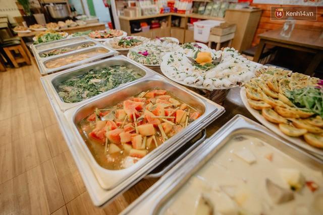 Quán chay từ thiện độc nhất vô nhị ở Sài Gòn: Ăn tuỳ bụng trả tiền… tuỳ tâm - Ảnh 7.