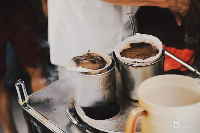 Hết bánh mì đến cà phê, món nào người Pháp mang vào cũng được Việt Nam update thành... của riêng - Ảnh 1.