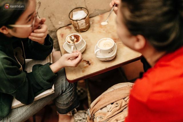 Hết bánh mì đến cà phê, món nào người Pháp mang vào cũng được Việt Nam update thành... của riêng - Ảnh 5.