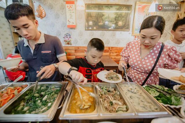 Quán chay từ thiện độc nhất vô nhị ở Sài Gòn: Ăn tuỳ bụng trả tiền… tuỳ tâm - Ảnh 18.