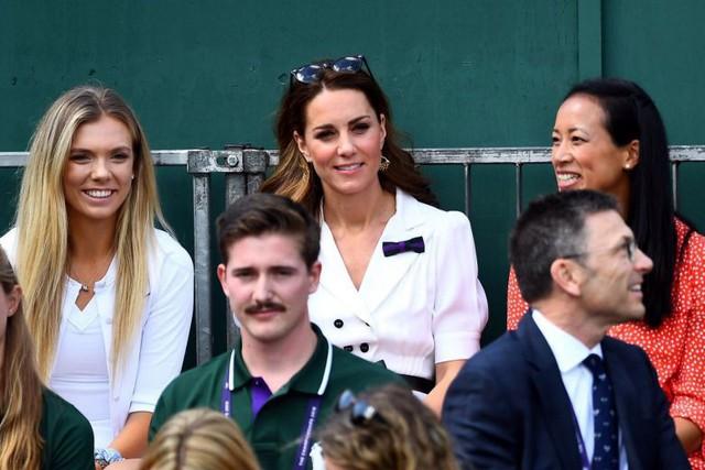 Mới làm dâu hoàng gia đã tỏ thái độ chảnh chọe, Meghan Markle còn phải chạy dài mới theo kịp chị đại Kate, đẳng cấp là phải thế này đây - Ảnh 4.