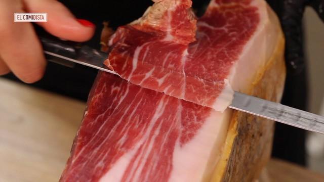 Treo đùi lợn trên núi hơn 1 năm cho mốc meo rồi gọi nó là báu vật ẩm thực, chắc cũng chỉ có người Tây Ban Nha - Ảnh 5.