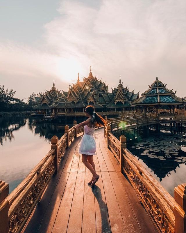 """Không tin vào mắt mình ngôi đền được canh giữ bởi """"cá khổng lồ"""" đẹp hệt cổ tích đang """"gây bão"""" Thái Lan - Ảnh 14."""