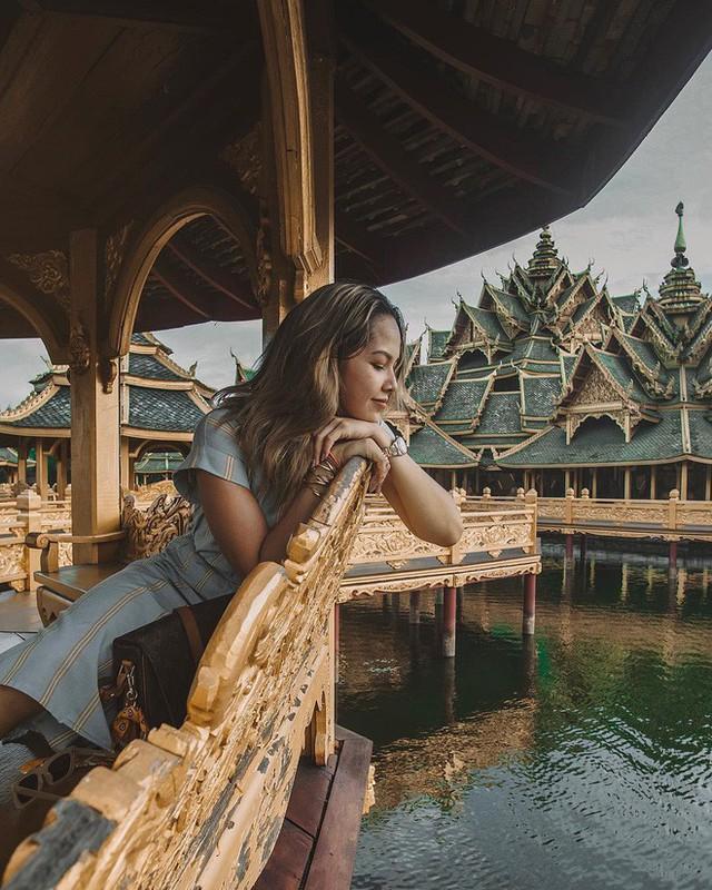 """Không tin vào mắt mình ngôi đền được canh giữ bởi """"cá khổng lồ"""" đẹp hệt cổ tích đang """"gây bão"""" Thái Lan - Ảnh 17."""