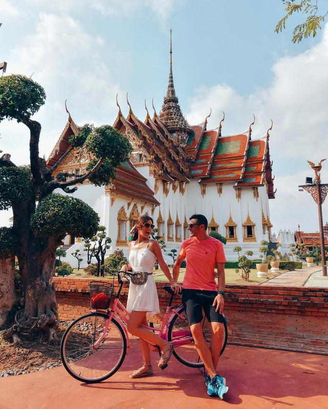 """Không tin vào mắt mình ngôi đền được canh giữ bởi """"cá khổng lồ"""" đẹp hệt cổ tích đang """"gây bão"""" Thái Lan - Ảnh 23."""