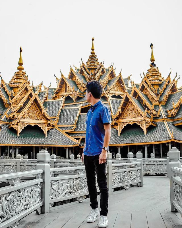 """Không tin vào mắt mình ngôi đền được canh giữ bởi """"cá khổng lồ"""" đẹp hệt cổ tích đang """"gây bão"""" Thái Lan - Ảnh 24."""