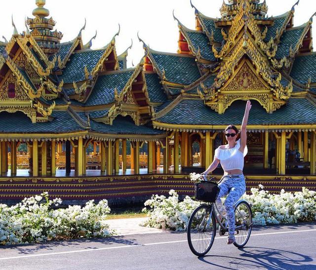 """Không tin vào mắt mình ngôi đền được canh giữ bởi """"cá khổng lồ"""" đẹp hệt cổ tích đang """"gây bão"""" Thái Lan - Ảnh 26."""