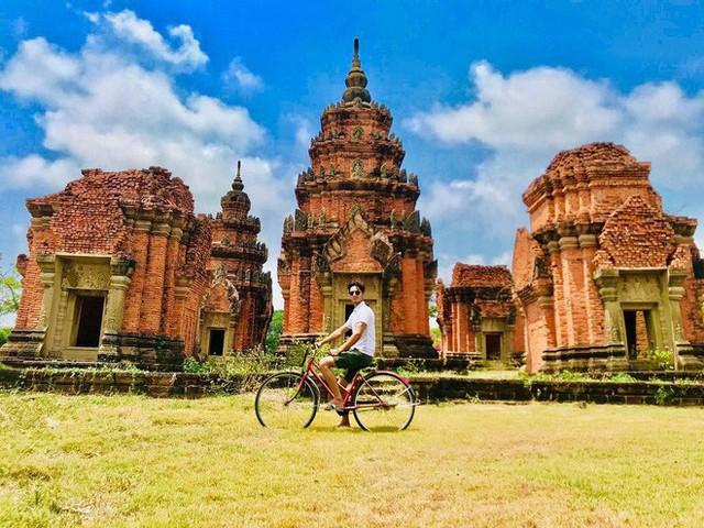 """Không tin vào mắt mình ngôi đền được canh giữ bởi """"cá khổng lồ"""" đẹp hệt cổ tích đang """"gây bão"""" Thái Lan - Ảnh 27."""