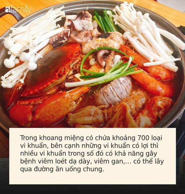 Nhiều người Việt đang gieo rắc nguy cơ loét, ung thư dạ dày cho nhau bằng 1 việc ai cũng làm khi nhà có khách - Ảnh 1.