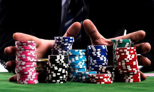 Bằng sức mạnh tính toán siêu phàm, hệ thống AI mới đánh bại cao thủ poker thế giới, kiếm về trung bình 1.000 USD/giờ - Ảnh 2.