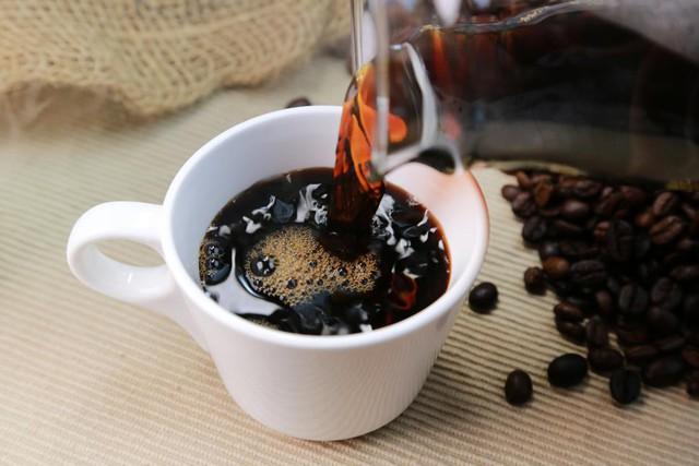 Đã có người tử vong do dùng cafein quá liều, chuyên gia chỉ ra giải pháp ngăn chặn - Ảnh 3.